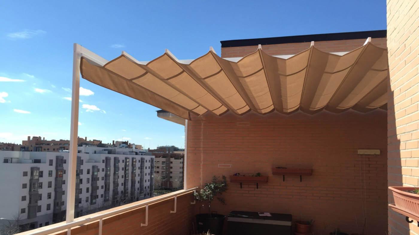 Pergola castilla con perfiles de aluminio 80x40 instalación en terraza