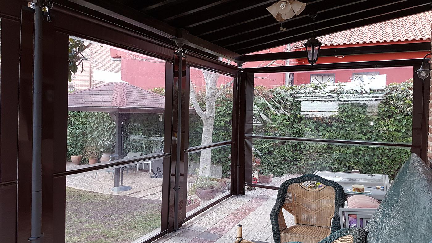 Cortavientos con cristal establizado que permiten el cerramiento de terraza