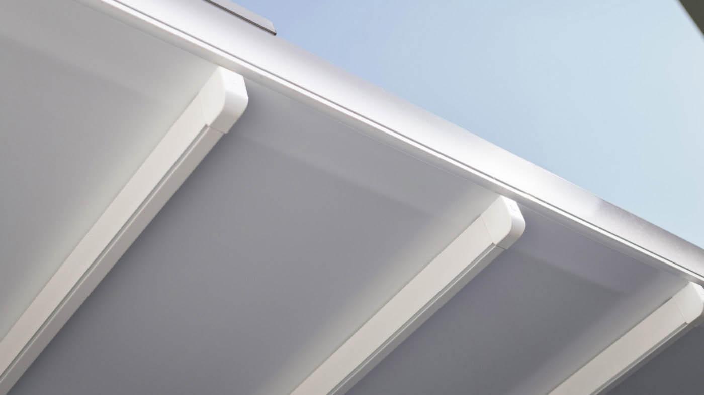 Guías y lona de pergola europa entreparedes con guías de aluminio y cubierta retráctil de lona PVC impermeable