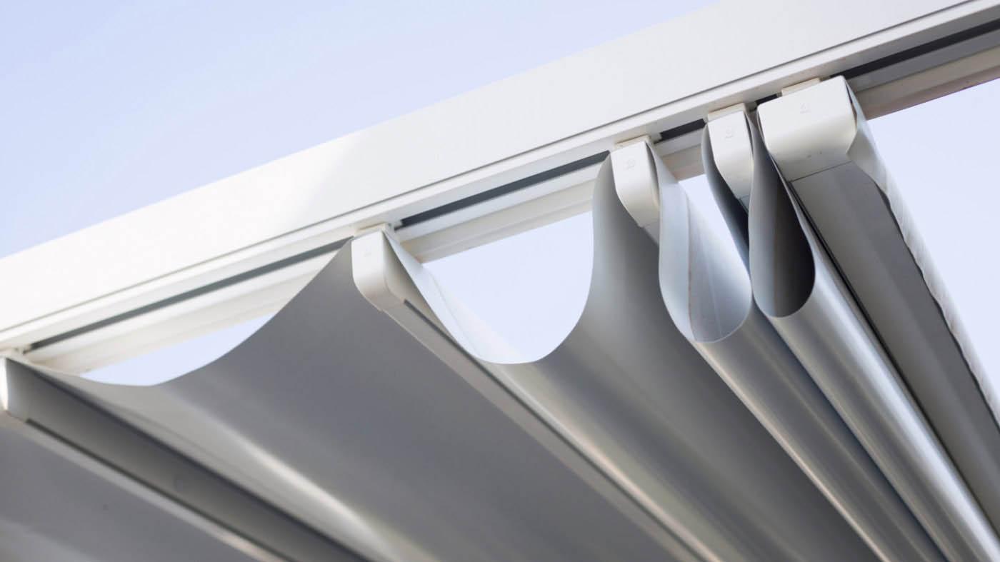 Pliegues de pergola euroa entreparedes con estructura de aluminio y cubierta retráctil de lona PVC impermeable