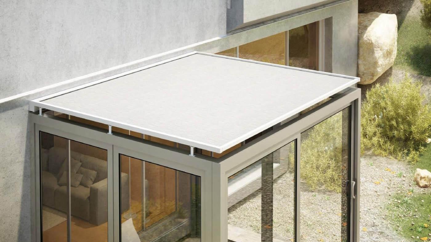 toldo cofre horizontal front tensionado con instalacion en techo de cristal