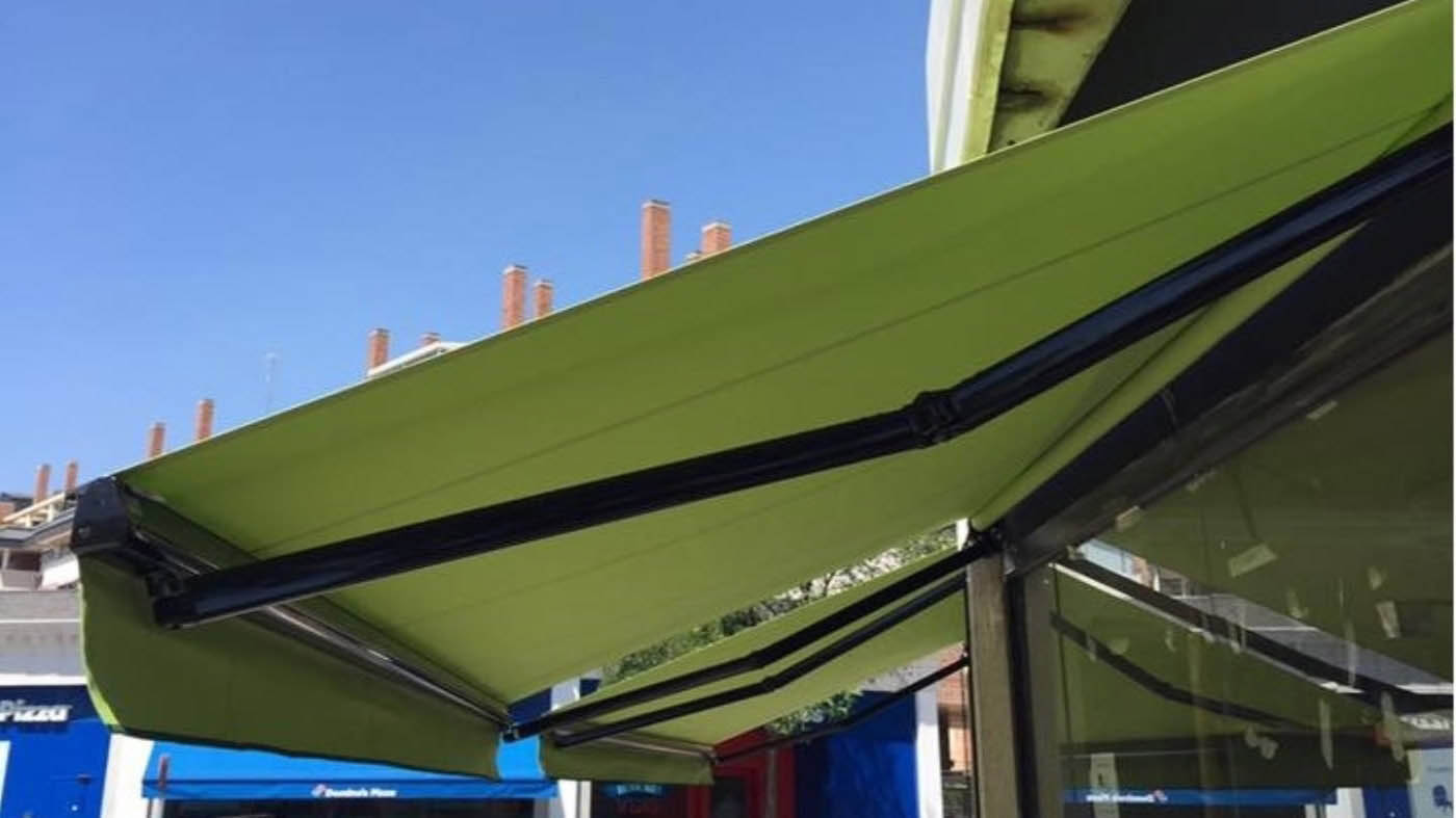 Toldo extensible sutoldo 360 con lona acrílica verde